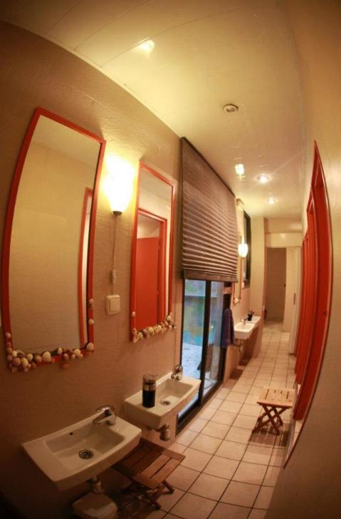 Services and facilities alternative backpackers hostel for Bathroom cleaning services near me