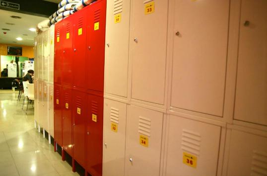 Safe youth hostel with free lockers in center of Barcelona Spain